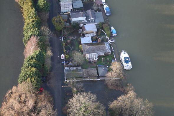 Diversas partes de Gran Bretaña quedaronbajo el agua.