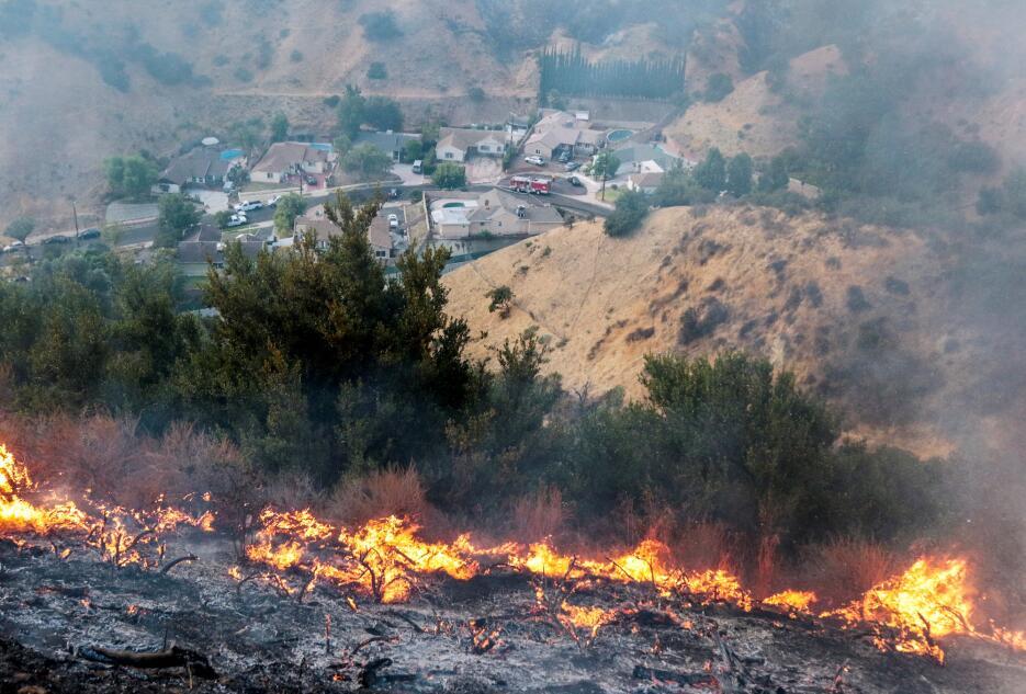 En fotos: La Tuna, el voraz incendio que obliga a desalojar a cientos de...
