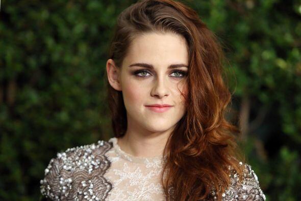 Kristen Stewart, quien protagonizó 'Twilight' junto a Pattinson, es otra...