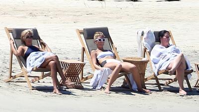 Gwyneth Paltrow asolea sus curvas en México
