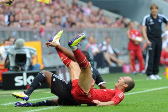 Es que a veces en el fútbol pasan cosas tan raras que cualquiera se cae...