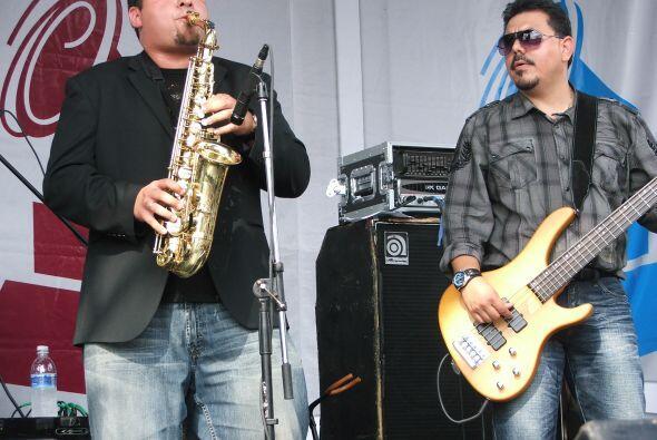 El saxofón es otro de los instrumentos claves en su música.