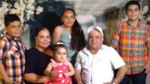 Maribel Trujillo con su esposo y sus hijos de 3, 10, 12 y  14 años.