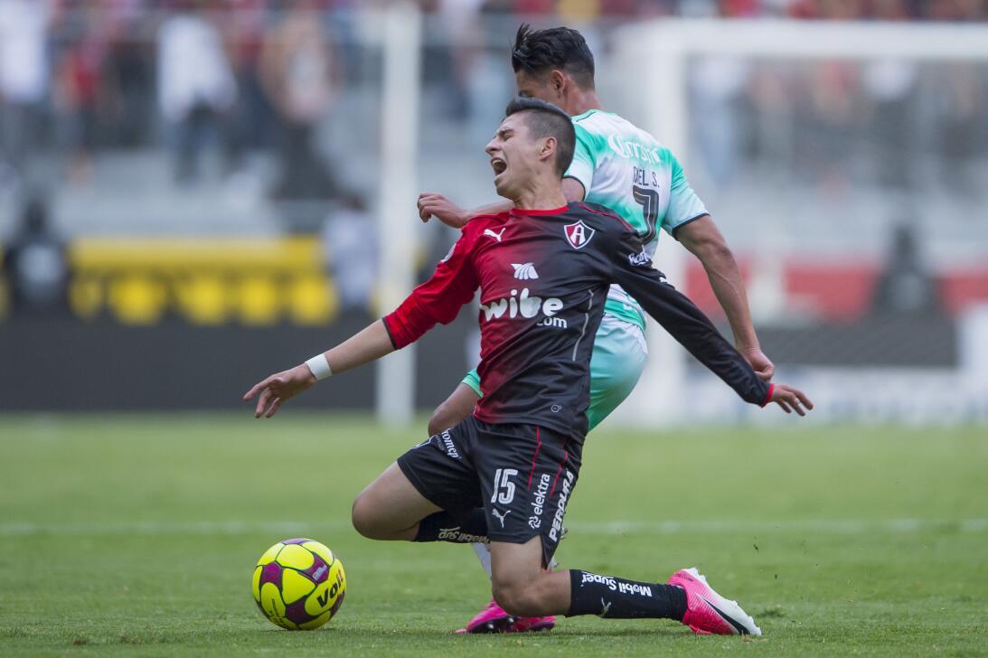 Atlas y Santos reparten puntos Walter Sandoval Santos y Brayan Garnica A...