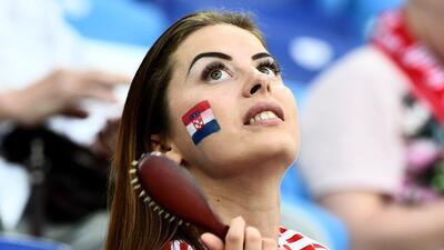 Las fanáticas de Croacia y Dinamarca fueron protagonistas en Nizhny Novgorod