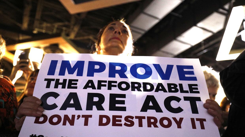 """""""Mejoren la ley de salud asequible (Obamacare), no la destruyan&quo..."""