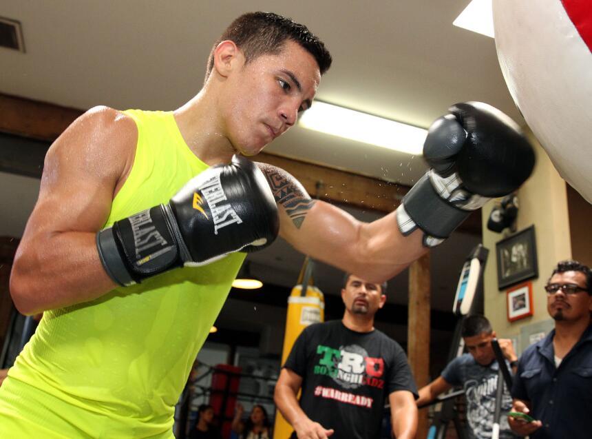 Tim Bradley y Oscar Valdez mostraron sus armas Bradley_Vargas_media%20da...