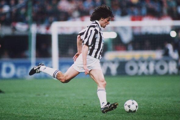 Alessandro nació en la provincia italiana de Treviso el 9 de noviembre d...