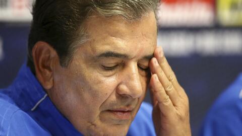El técnico de Honduras, Jorge Luis Pinto, habla en una conferenci...