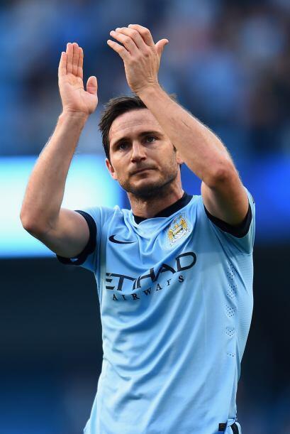 Lampard quien ha sido muy bien recibibido por la afición del Manchester...