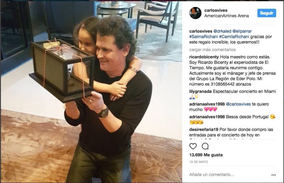 Antes de un concierto en Miami con su hija Elena.