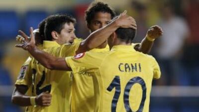 El cuadro valenciano se fue adelante por 2-0 y sufrió en los minutos fin...