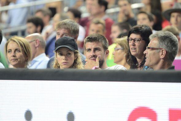Shakira se sentó junto a su suegra.