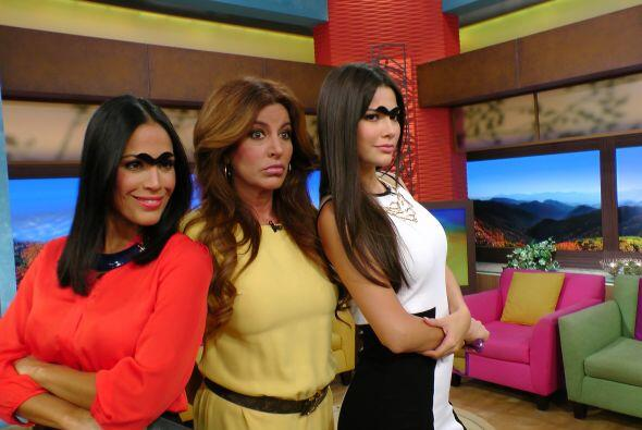 Karla y Ana Patricia retomaron el look de Frida Kahlo. Lo de hoy es la c...