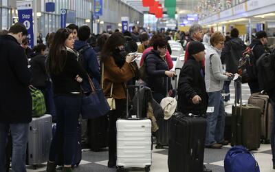 Inauguran servicio para agilizar el tránsito de pasajeros en el Aeropuer...