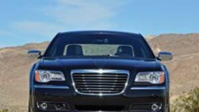 Chrysler redujo pérdidas y consolidó su recuperación en 2010 8fdaf413375...