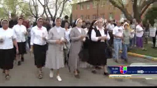 Residentes de Stone Park protestaron en contra de la apertura de un pros...