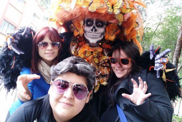 Acompañamos a la concursante boricua con Yazaira y Stephanie mien...