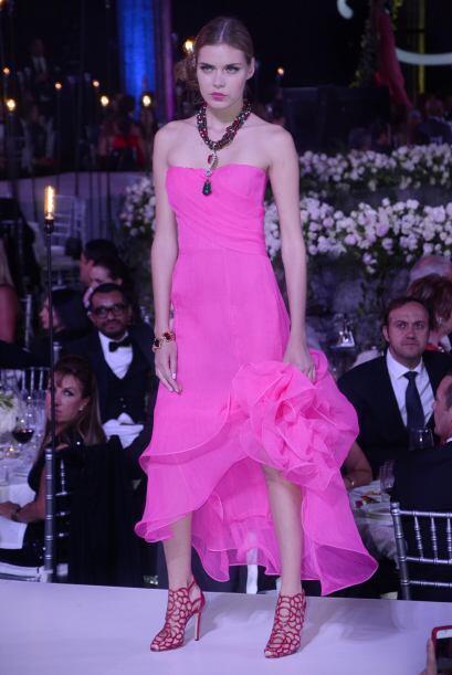 Oscar de la Renta reveló que ahora prefiere vestir a la mujer actual, aq...