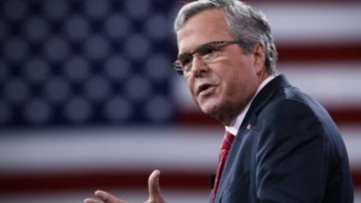 Jeb Bush compara acciones ejecutivas de Obama con decretos de 'dictador...