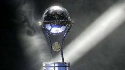 Chapecoense recibirá el trofeo de la Sudamericana durante sorteo de la Copa Libertadores