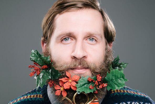 Nunca imaginaste ver una corona en una barba, regularmente las vemos en...