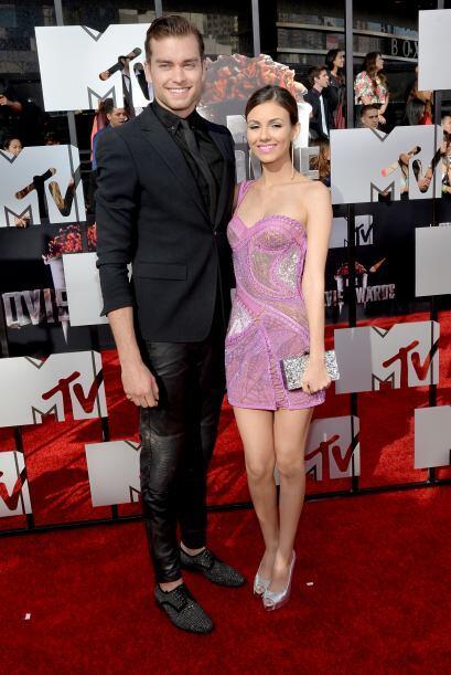 Pierson y Victoria Justice.  Mira aquí los videos más chismosos.