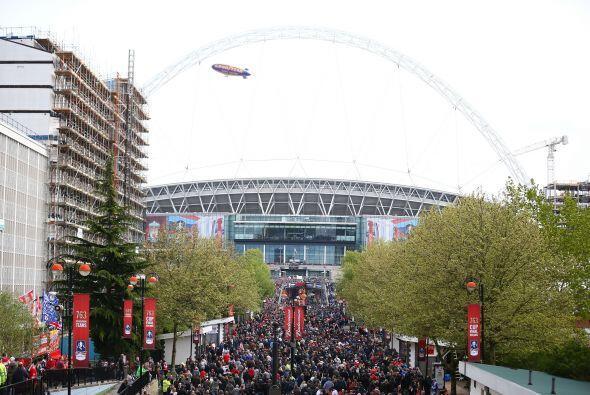 Chelsea y Liverpool se enfrentaron en el estadio de Wembley.