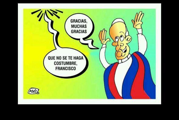El equipo azulgrana y el Papa Francisco (gran fanático del San Lorenzo)...