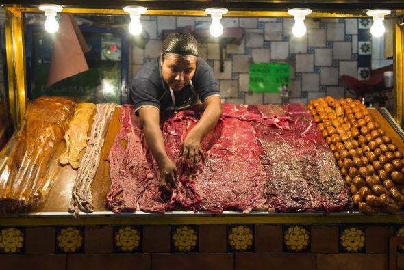 TACOS DE CECINA- La cecina es en sí carne salada, por lo que debes acomp...