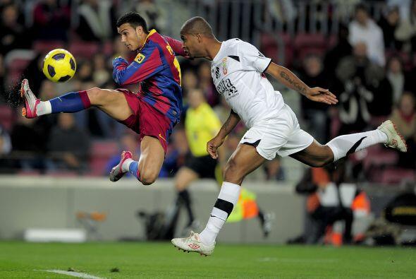 Por su parte, el Barcelona encaraba con mayor solvencia su eliminatoria...