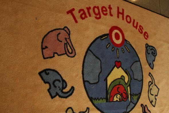 Target House: un hogar lejos del hogar.  Da click aquí para hacer tu don...