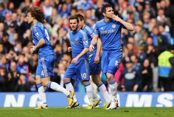 El segundo tiempo no cambió las cosas y el Chelsea se impuso por...