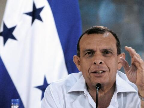 El presidente Porfirio Lobo reveló que el derrocado mandatario Ma...