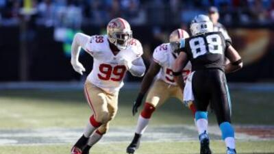 Aldon Smith sigue en problemas legales (AP-NFL).