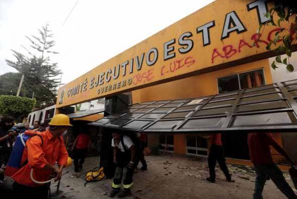 Murillo Karam dijo que Guerreros Unidos tenía una red de complicidad con...