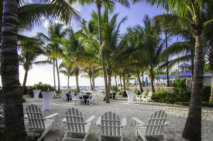 The Naples Beach Hotel & Golf Club (Florida) // La comida o cena puede s...