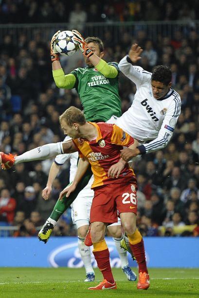 El Real Madrid siguió llevando el peso del partido.