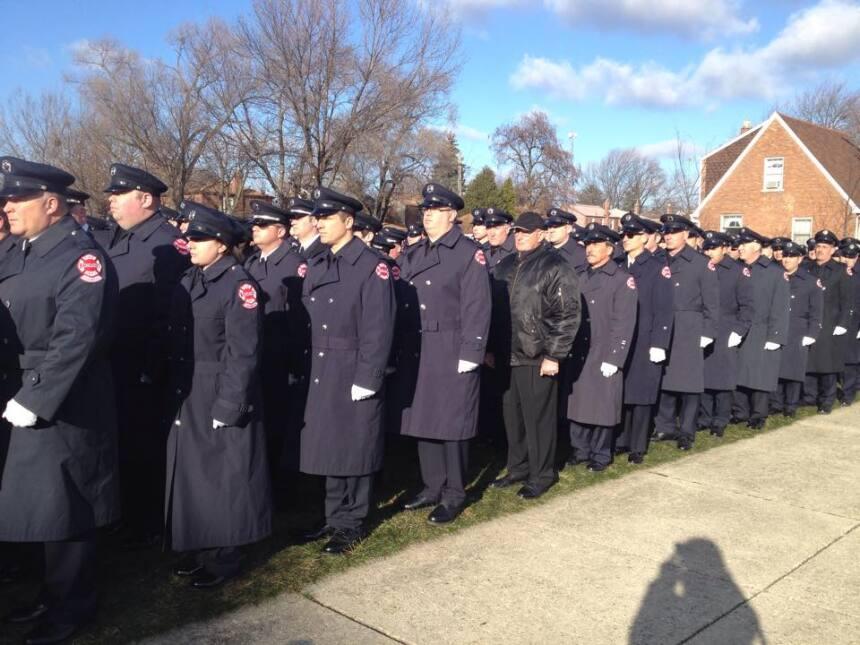 Miles de bomberos y conocidos dieron el último adiós al bombero Daniel C...