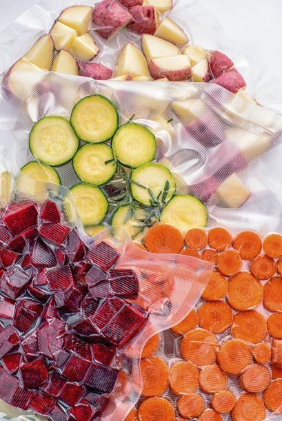 4. Aprovecha los vegetales preparados. Si los prefieres frescos, puedes...