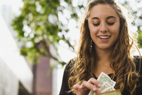 4.Lleva efectivo, así evitaras las largas colas al ATM y los extra carg...