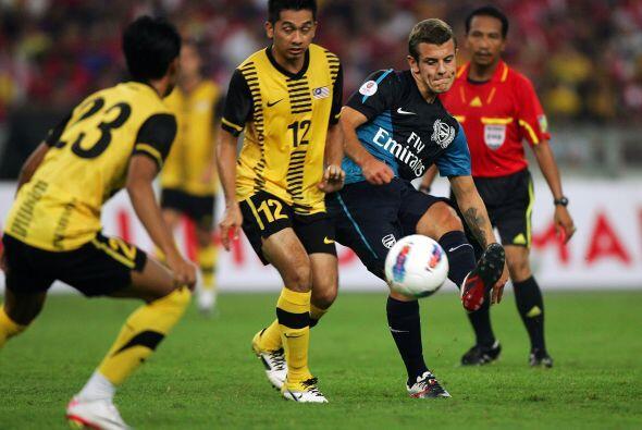 Jack Wilshere abrió el marcador apenas a los cinco minutos del partido.