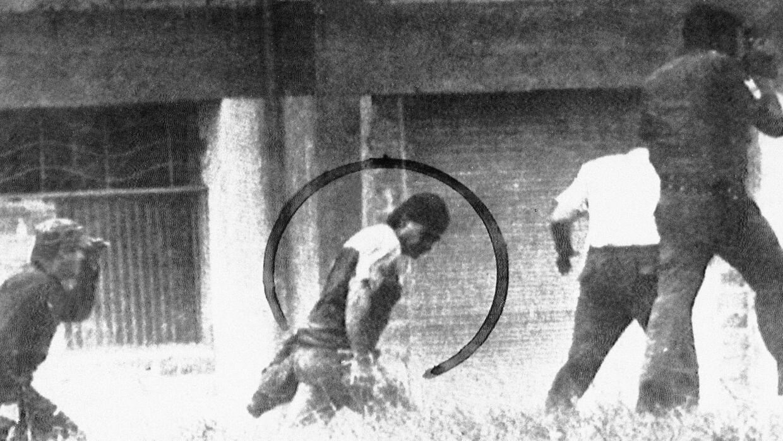 Imagen de la captura de Carlos Lehder cerca de la ciudad de Medellín en...