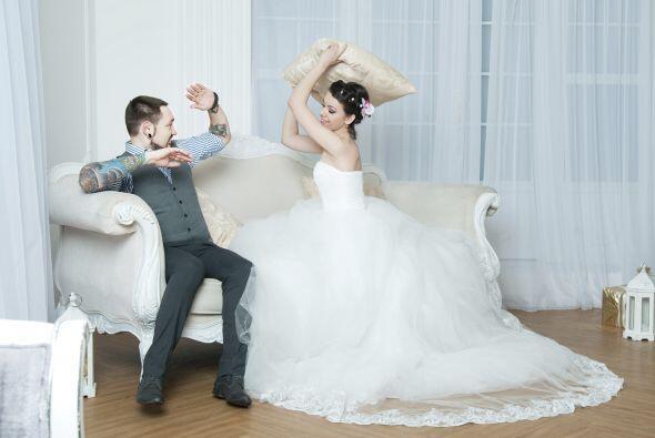 5.Nunca ventiles las diferencias con tu pareja en público, no im...