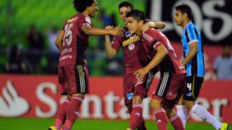 Caracas dio la sorpresa ante el Gremio al ganar 2-1 en el partido del gr...