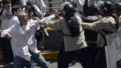 Galenos y trabajadores opositores al gobierno nacional se reunieron en l...