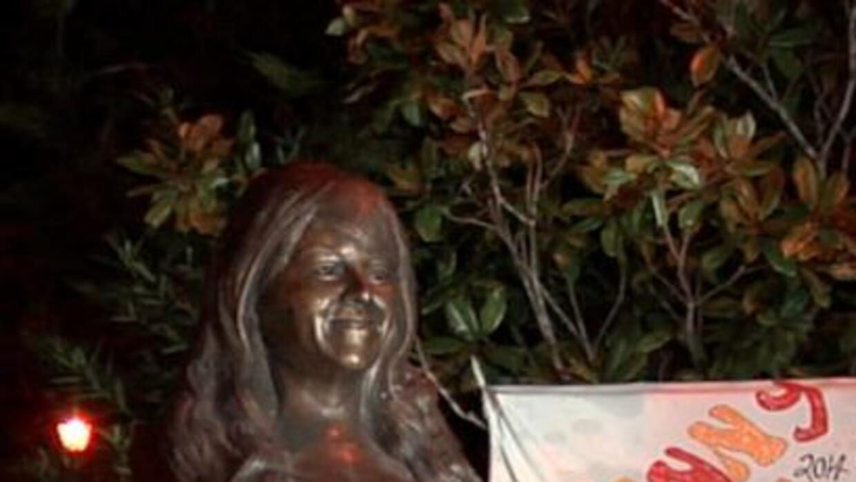 A dos años de la muerte de Jenni Rivera, se develó una estatua en Iturbi...