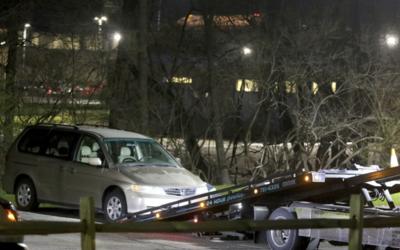 Auto en el que Kyle Plush, de 16 años, falleció al quedars...