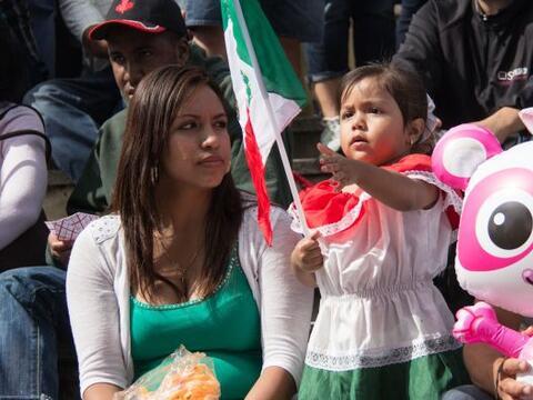 La comunidad mexicana se reunio en el historico Penn's Landing para cele...