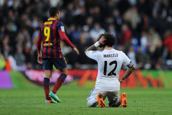 Marcelo (6): Fue de más a menos a lo largo de los noventa minutos. Impul...